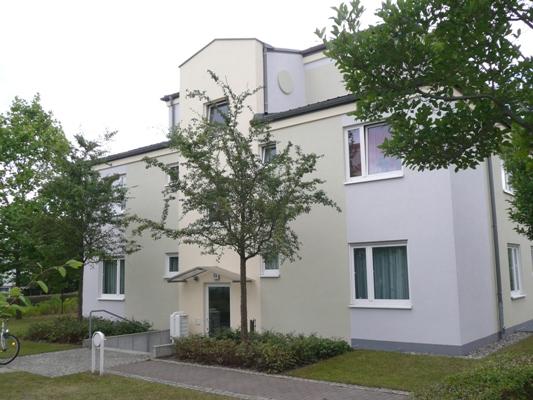 zeitgemäße Fassadenbeschichtung mit fungizid und algizid eingestellter Silikonharz-Fassadenfarbe